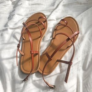 🍊aeo strappy leather sandals